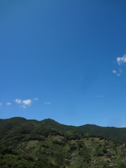 空、青すぎ